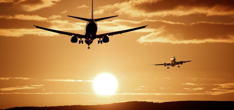 Samoloty lądujące na lotnisku w Pyrzowicach